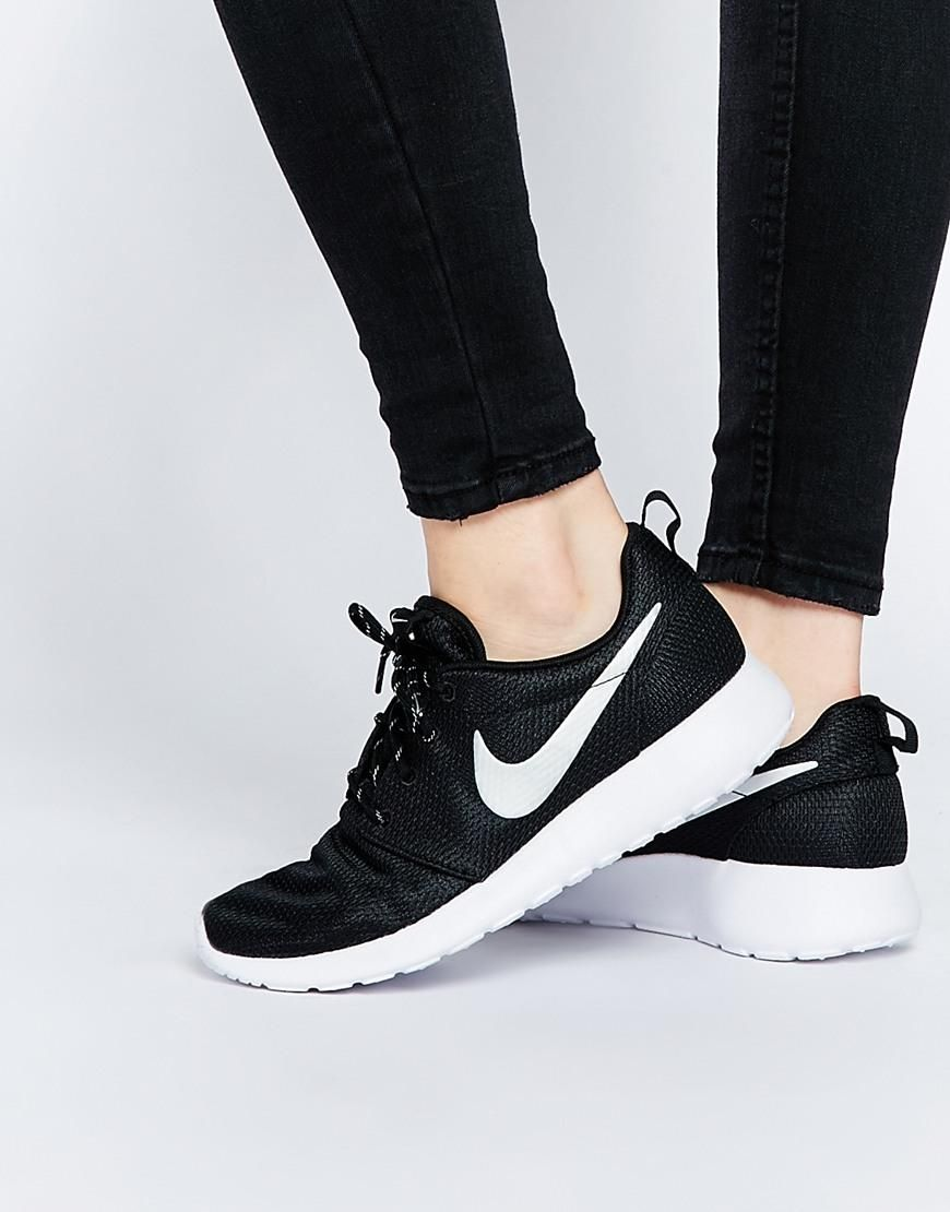 best service 5437c e03ba Nike   Nike Roshe Run Black Trainers at ASOS
