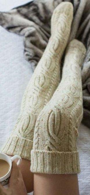 Чулки спицами   вязание   Knitting socks, Cable knit socks ...