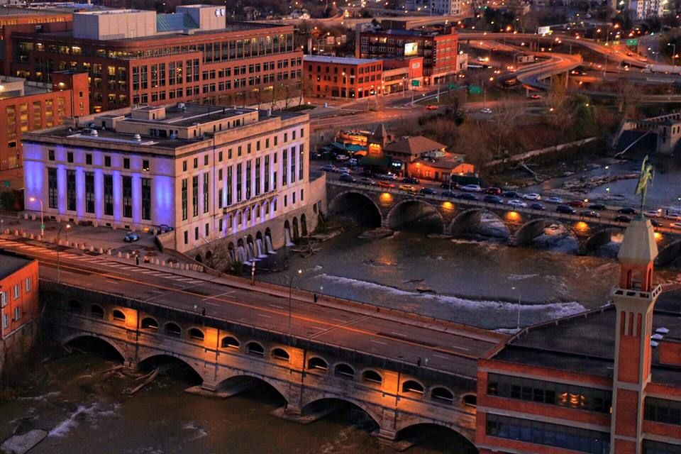 Downtown Rochester Ny Rundel Library Dinosaur Bbq And Genesee River Aqueducts Photo C John Kucko 2015 Rochester New York Rochester Downtown