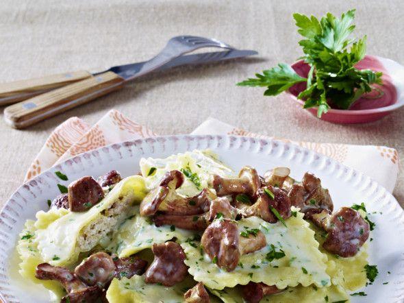 Ravioli in a light herb cream with chanterelles Recipe