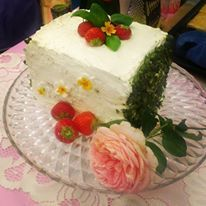 """Layer cake with Basil, pistachio, champagne and strawberries for the TV show """"Kagekampen"""""""