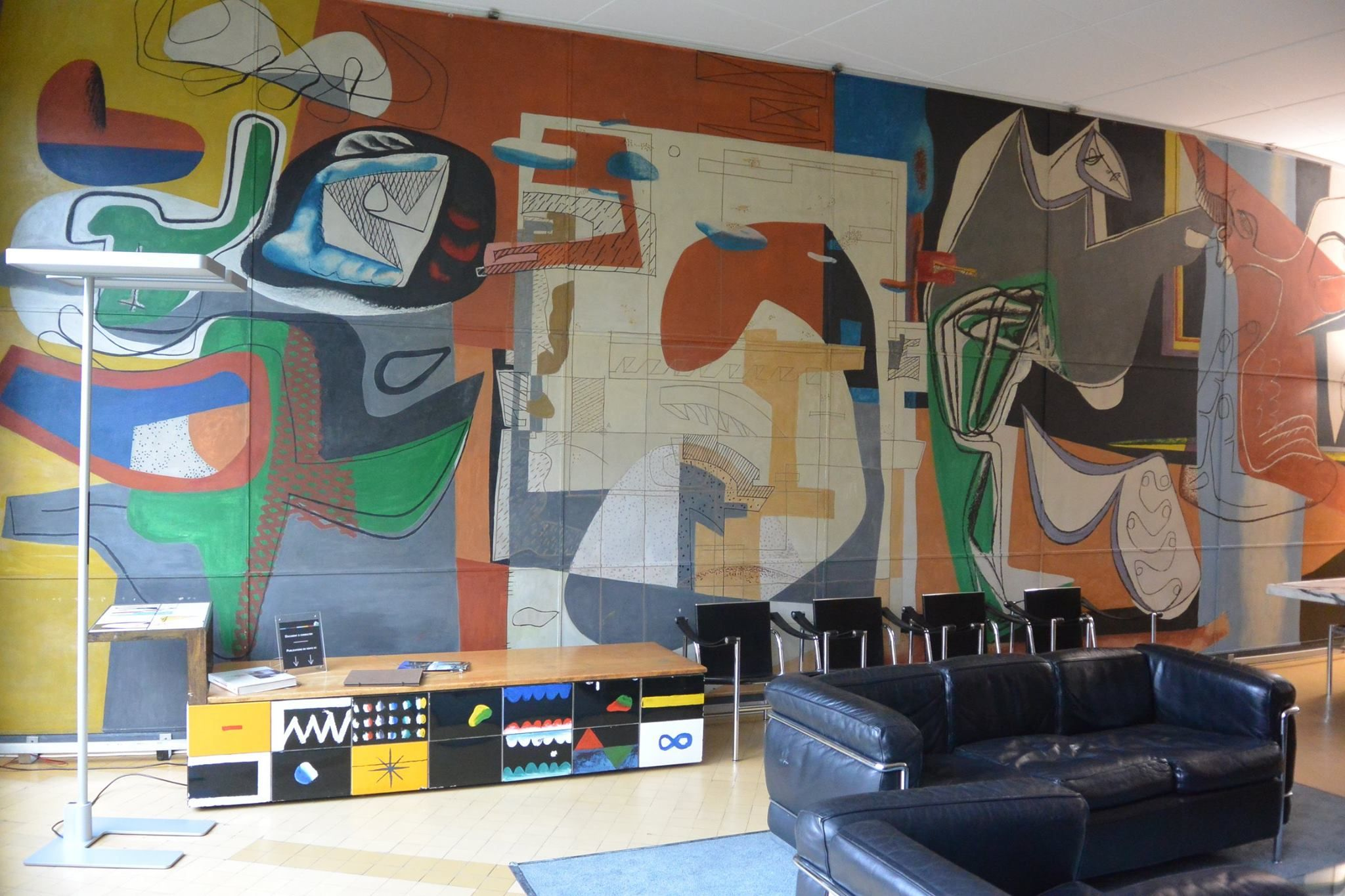 Mural courbe de la Fondation suisse / Pavillon Le Corbusier - CIUP © FLC/ADAGP