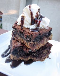 Six Sisters Ultimate Chocolate Chip Cookie and Oreo Bars!
