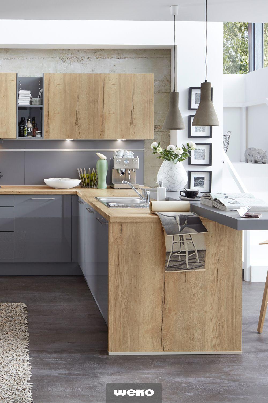 Einladende Und Harmonische Wohnkuche Wohnkuche Kuche Holz Modern Wohnung Kuche