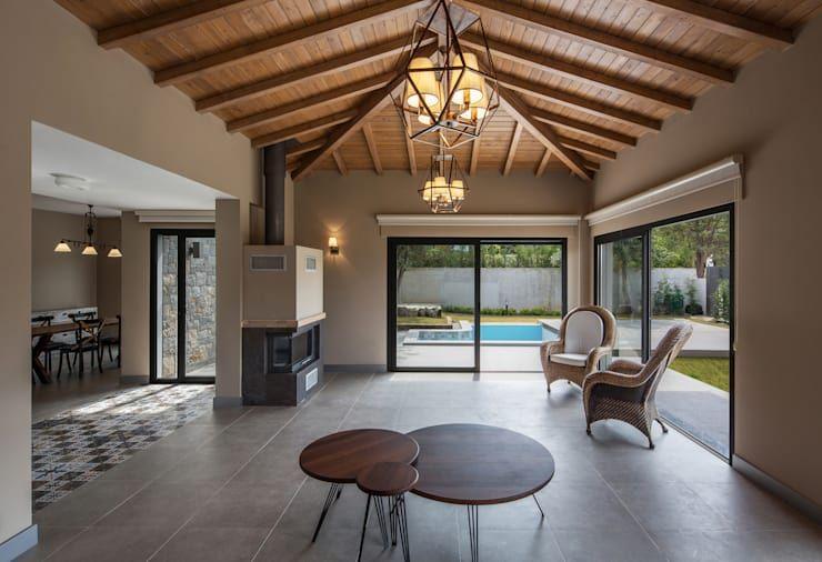 屋根の形状が反映された素敵な天井デザインbest5 2020 寄棟造