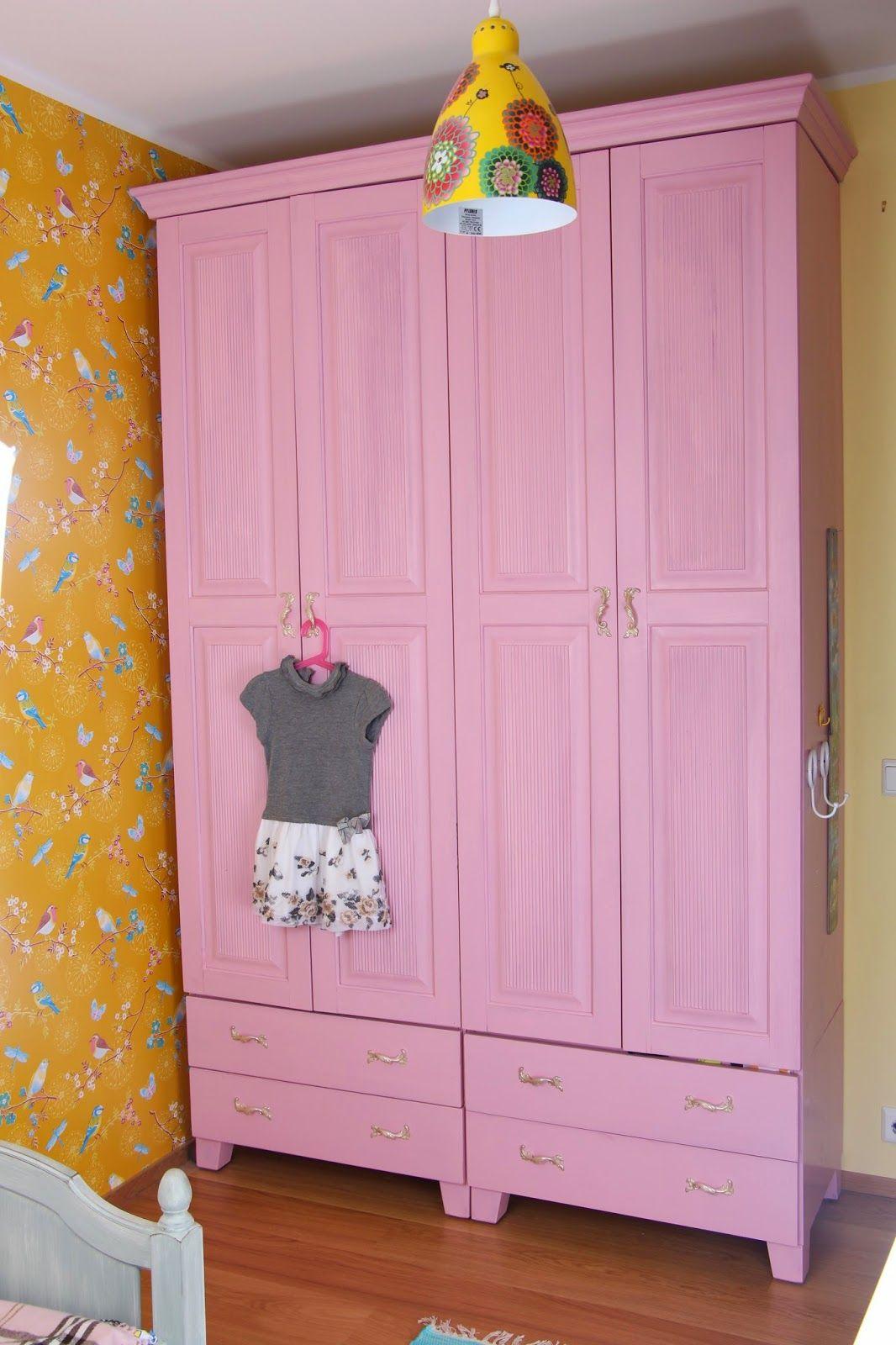 Vaaleanpunainen vaatekaappi, #sisustus #värilläonväliä #juviproduction