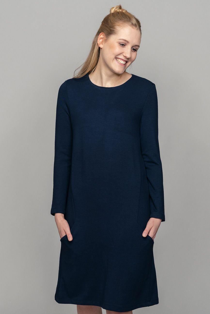Kleid in leichter A-Form, ein cleaner Look mit ...