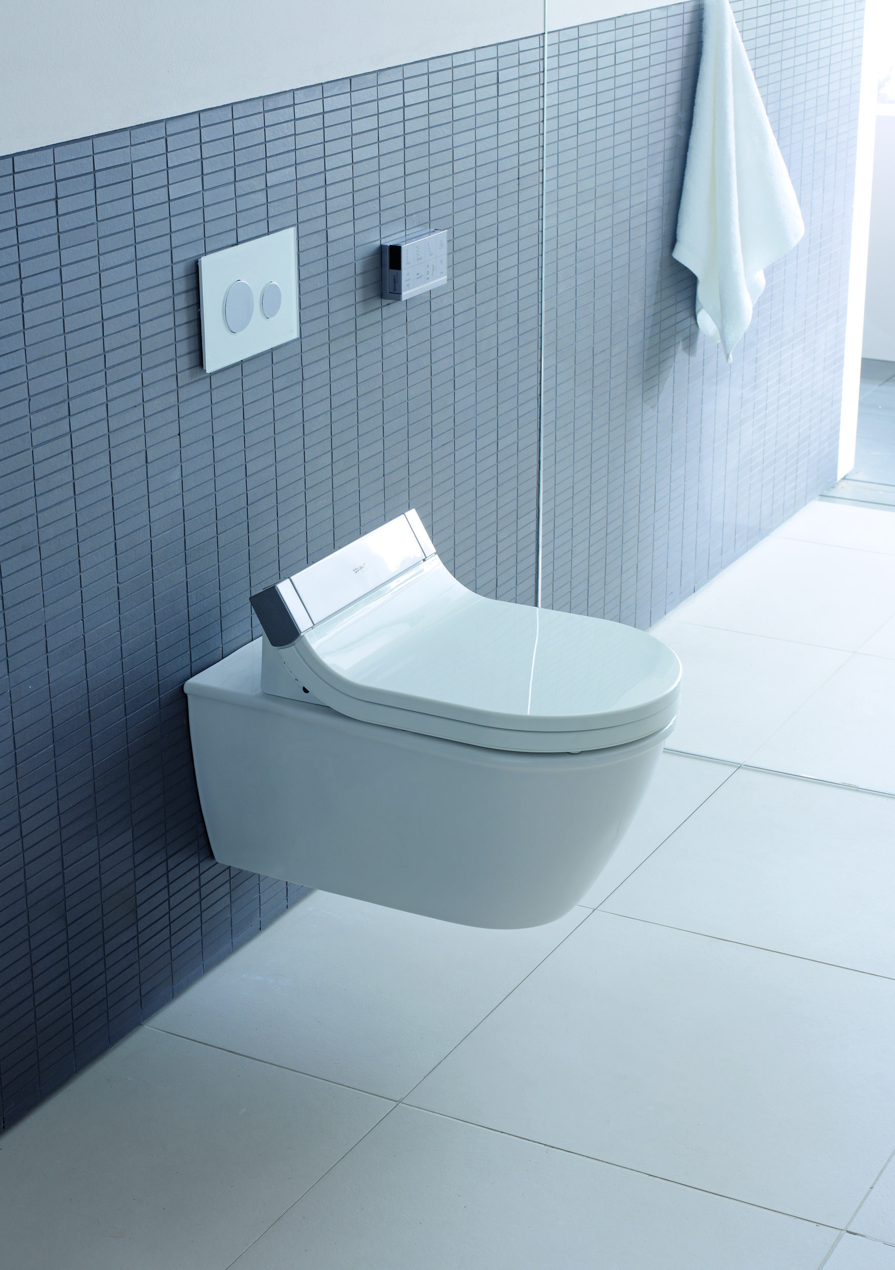Compact Bad Small Compact Toilet In Bathroom Compacttoilet Bathroom Toilets