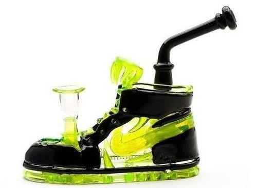 Nike waterpipe #glass #glassblowers #foulglass
