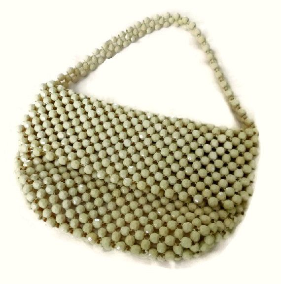 60's Mod Lucite Bead Purse, Vintage Ivory Beaded Bag, 1960s Beaded Handbag Wedding Purse, Mid Century Bridal Hand Bag, Mad Men Cream Purse