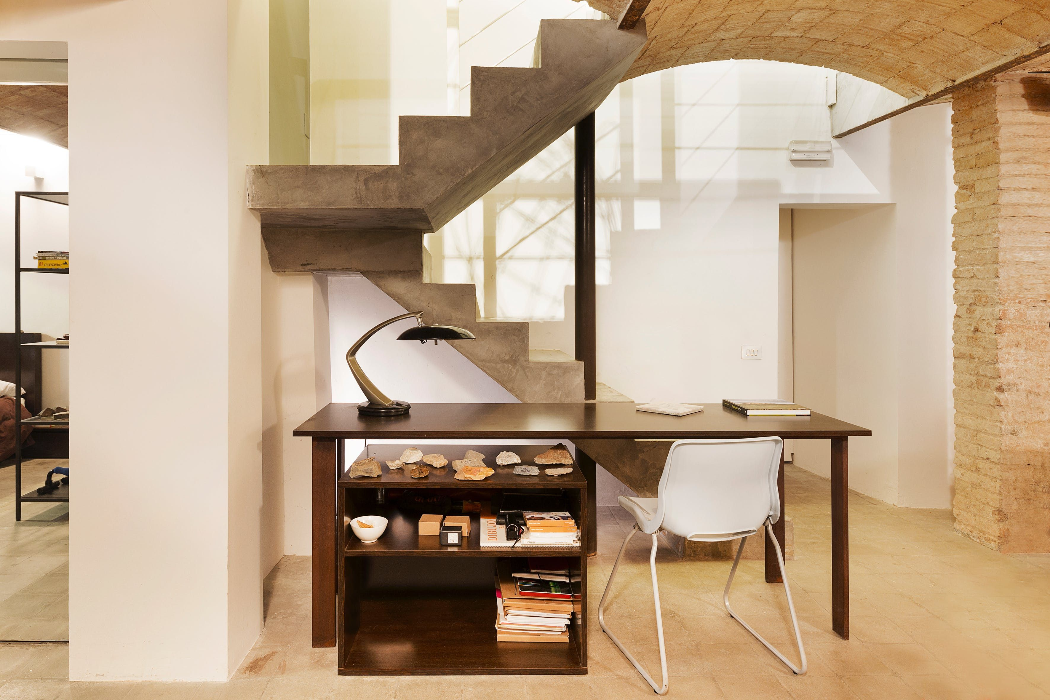 A Designer Works & Lives in This Stylish Barcelona Space