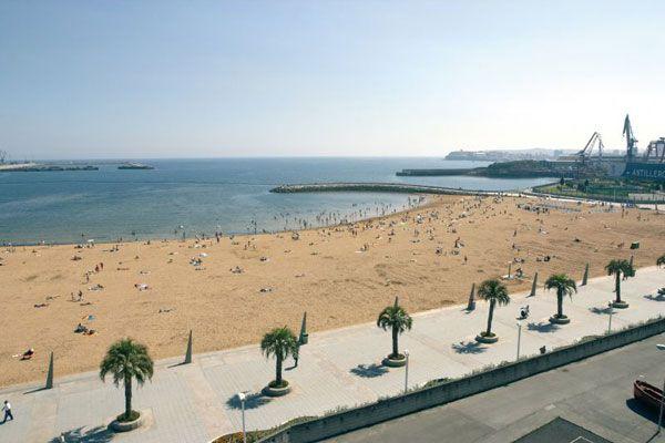 Playa del Arbeyal - Gijón (Spain)