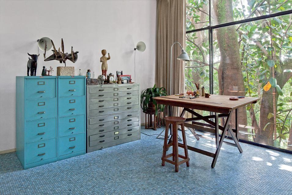 Tavolo Disegno ~ La casa de vidro di lina bo bardi nell ufficio tavolo da disegno