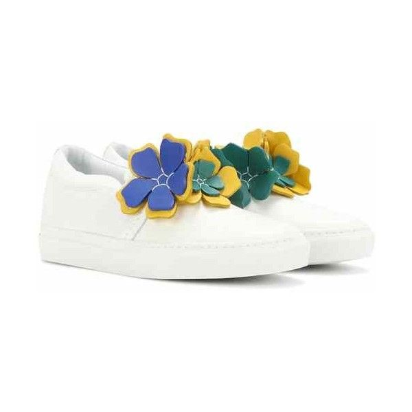 Embellished leather slip-on sneakers (15 420 UAH) ❤ liked on Polyvore featuring shoes, sneakers, white sneakers, leather slip on shoes, slip on sneakers, slip-on shoes and slip on shoes