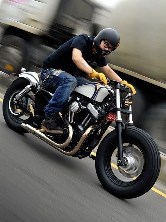 Harley Forty Eight Hd 48 Harleydavidsoncustommotorcyclesbobbers Harleydavidsonsporster Motorcycle Harley Harley Davidson Sportster Harley Sportster 48