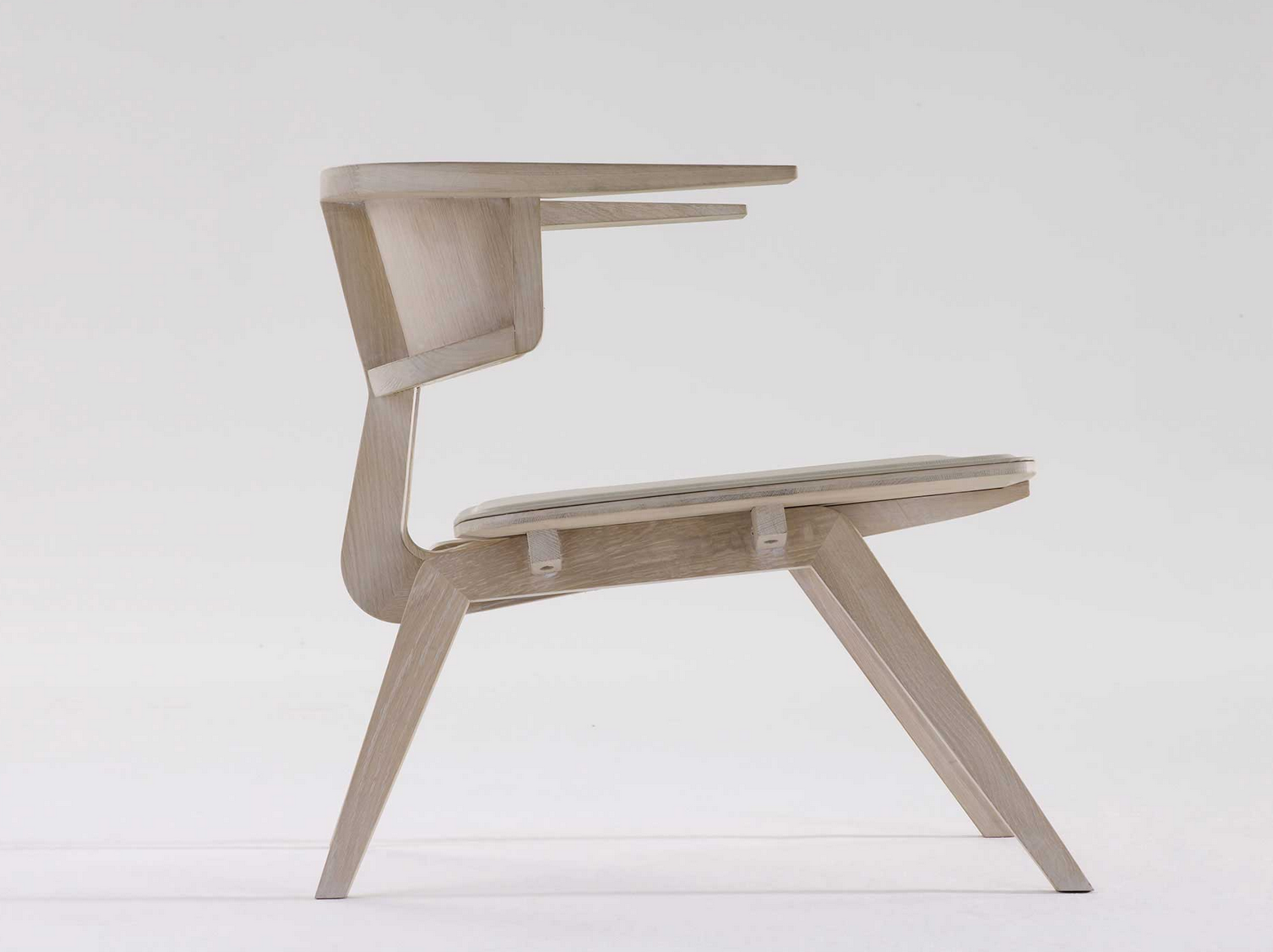 fly by Arco Chair design