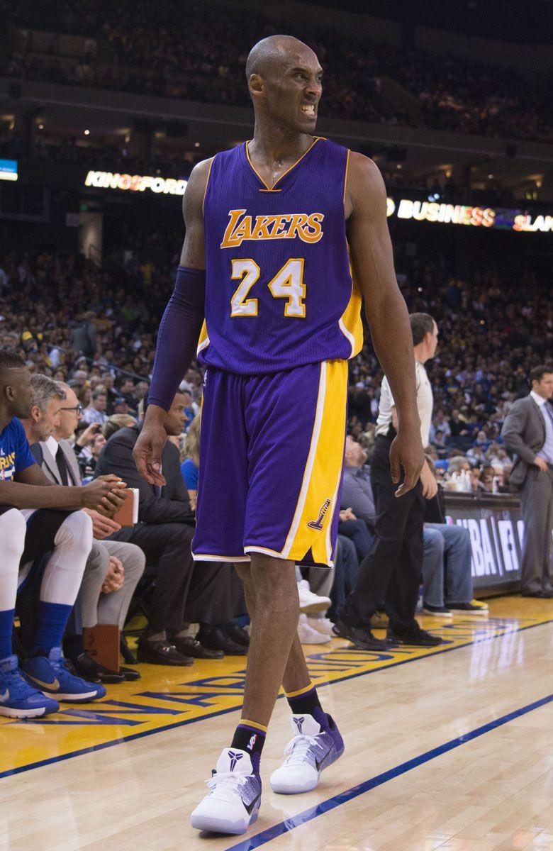 dde9170c80fc Kobe Bryant Wears  Lakers Home  Nike Kobe 11 (3)