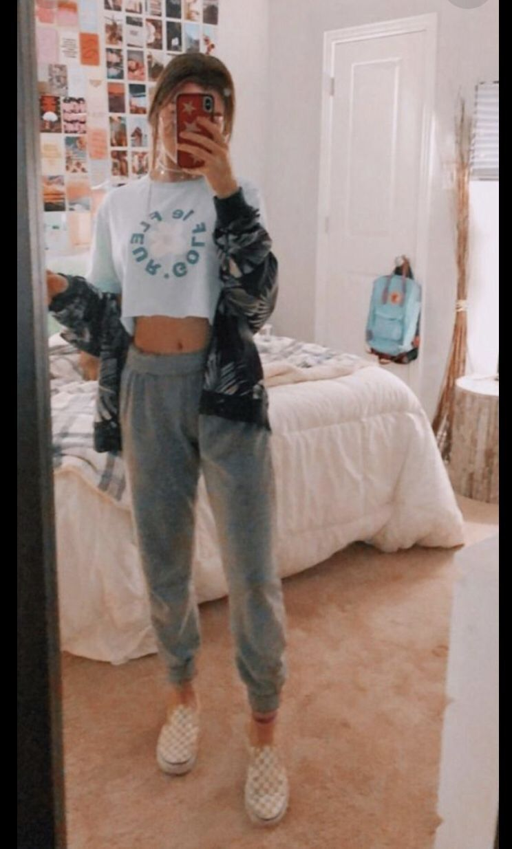 ✰pinterest//@chloealcindorr✰  Outfits in 20  School outfits
