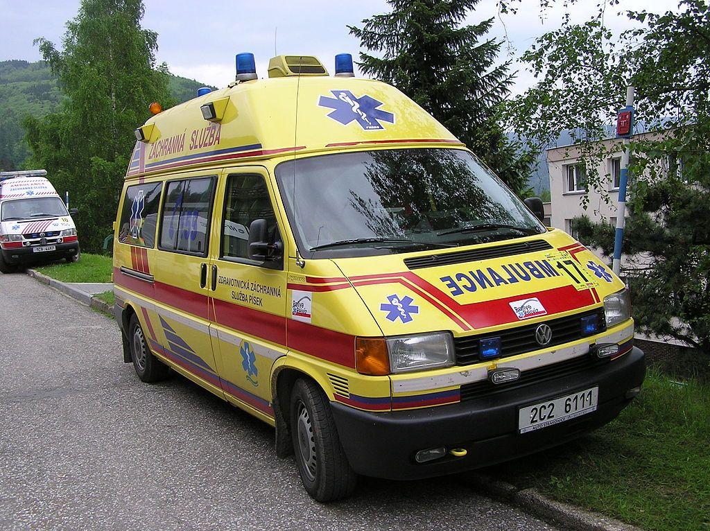 Zdravotnicka Zachranna Sluzba Jihoceskeho Kraje Volkswagen Transporter T4 Jpg Ambulance Volkswagen Segway
