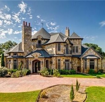 Old World Love The Grandeur Twists And Turns Dream House Pinterest Home House And Beautiful Homes