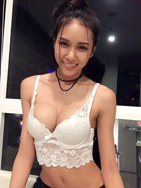 Tiny asian lesbian