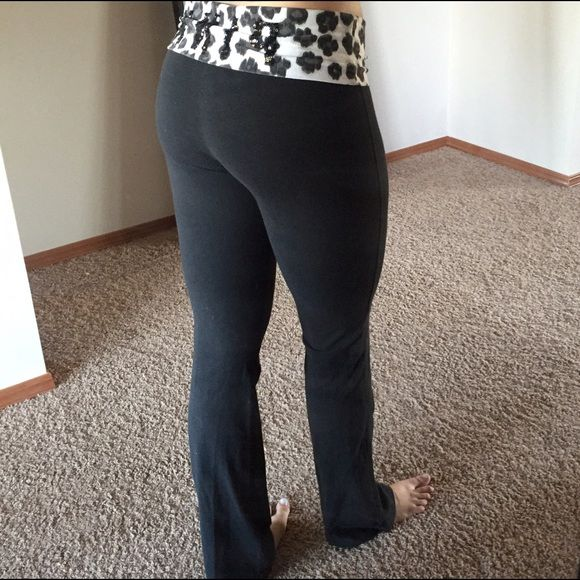 Victoria Secret Pink Leopard Bootcut Yoga Pants | Pink leopard ...