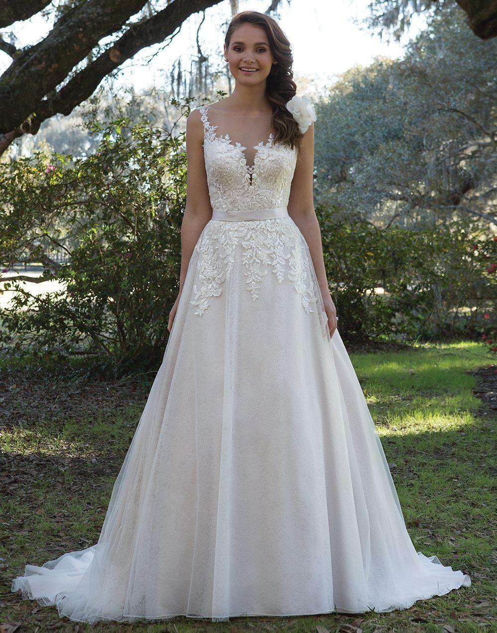 325b88b455ca Pin by Katrina Lajoie on Wedding