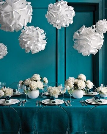 simple teal and white. LOVEEEE the colors!