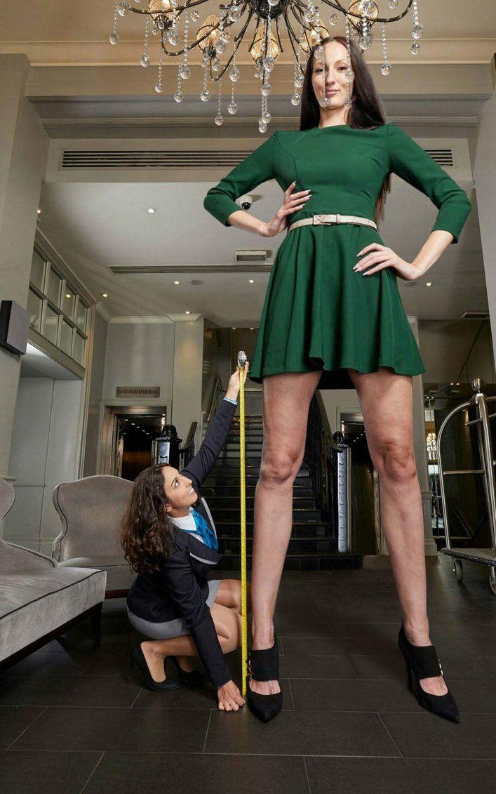 Ekaterina Lisina Gets Measureddamnshe Must Be -9456