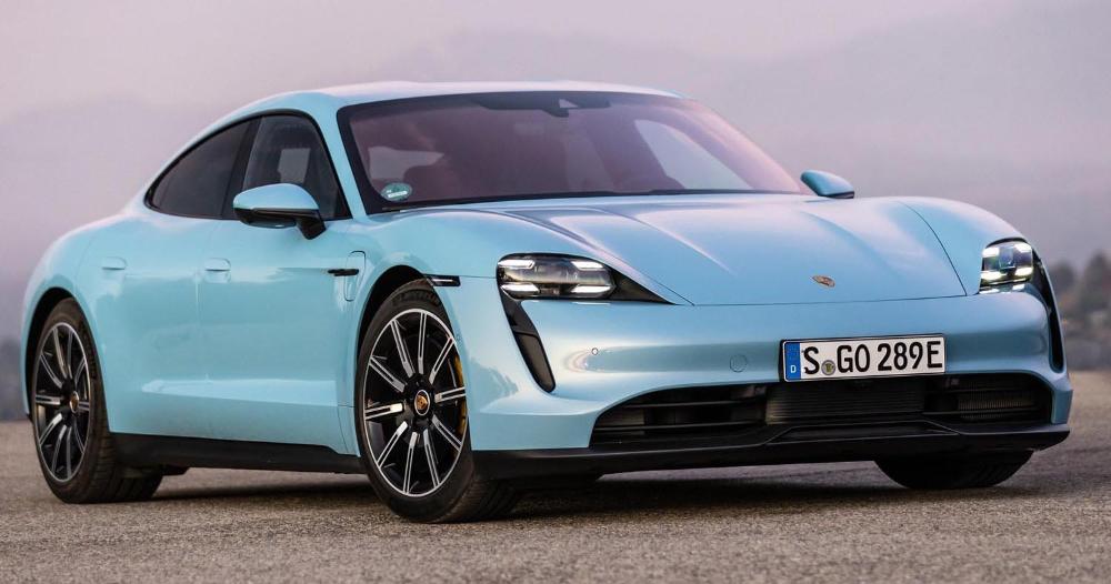 إطلاق بورش تايكان في الشرق الأوسط يبدأ بعرض ضوئي رائع في قلب دبي موقع ويلز Porsche Taycan Porsche Bmw