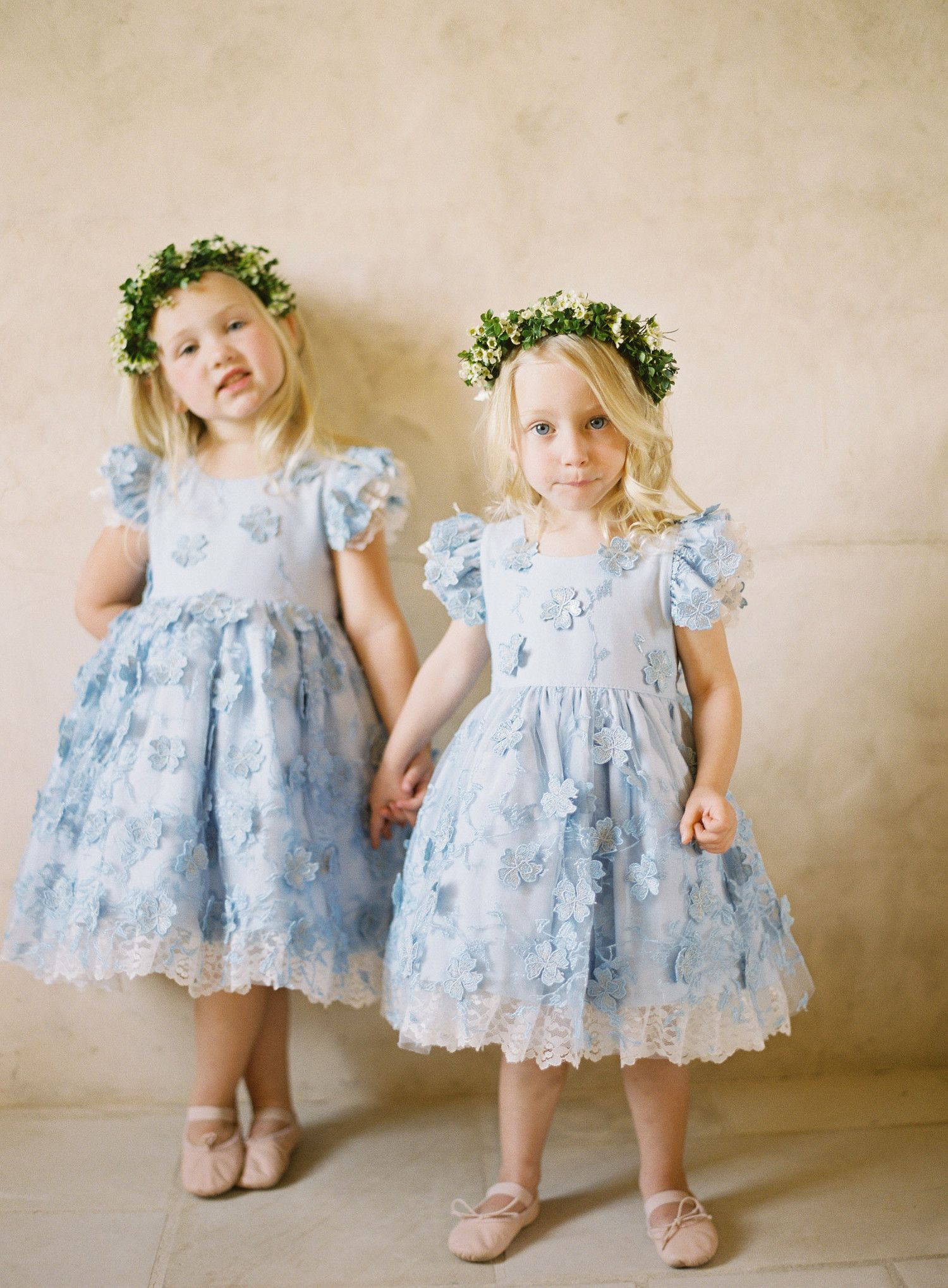 42 unique ideas for your something blue wedding pinterest flower girls dont just have to carry the flowersthey can wear them izmirmasajfo