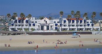 Book The Sandcastle Inn This Pismo Beach Hotel On Less Than One Quarter Mile From Pier And Half Oceano Dunes