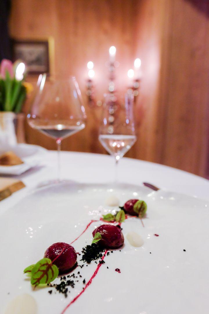 GNOCCHI DI RAPA ROSSA – TERRA DI BIRRA – CREMA DAIKON    Ristorante ST. Hubertus - San Cassiano - Val Badia Due Stelle Michelin  Hotel Rosa Aplina  see more on ---> http://www.missclaire.it/foodbeverage/ristorante-st-hubertus-2-stelle-alpine-michelin/  #food #ristorantestellato #sthubertus #rosaalpina #hotelluxury #star #relaix&chateaux