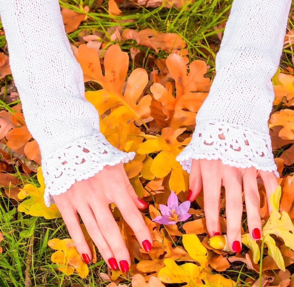 White handmade cotton mittens fingerless bridal crochet hand knitted sexy gloves #SuperTanya #Fingerless