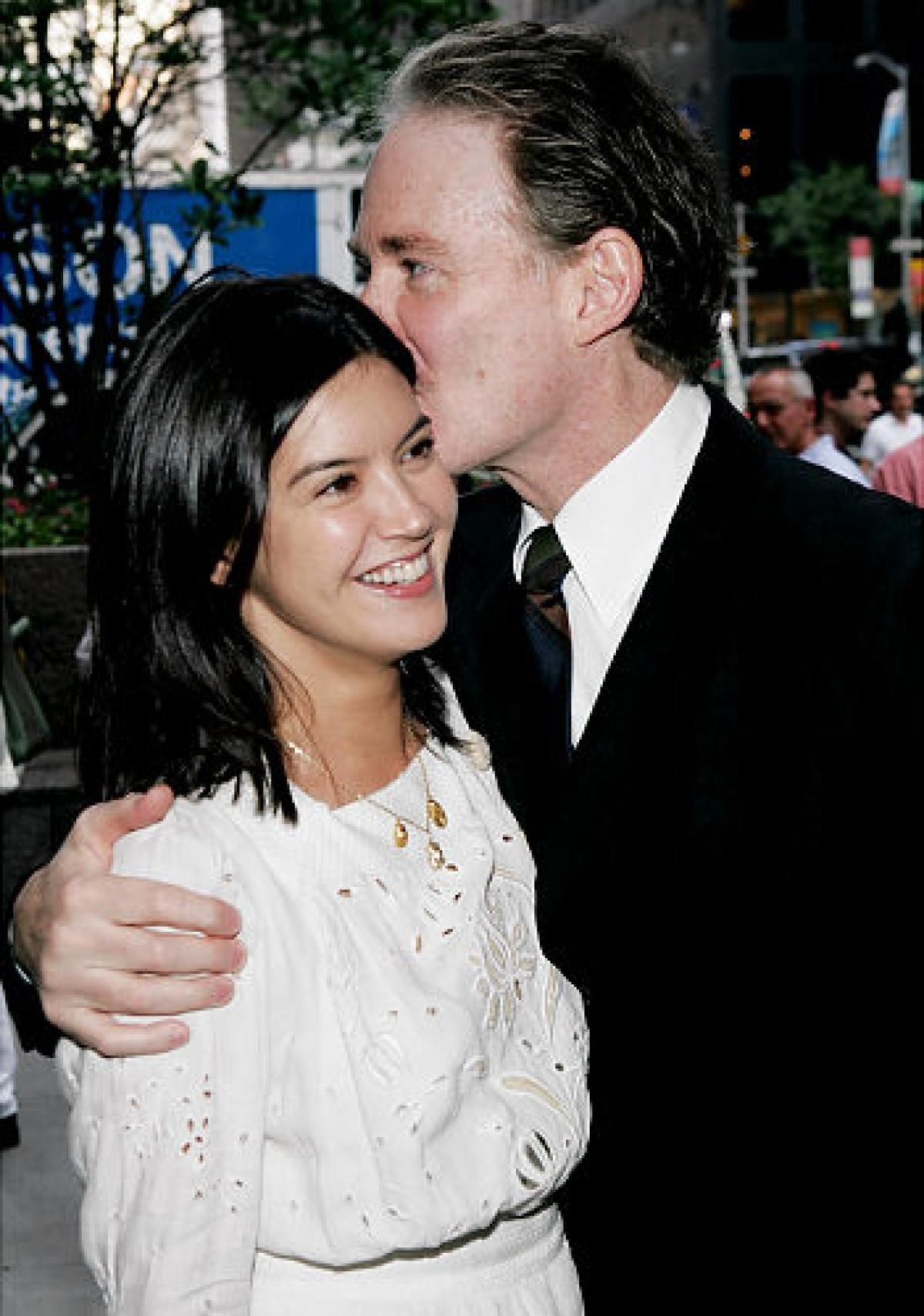 Phoebe cates with her husband kevin kline celebrity for Phoebe cates still married kevin kline