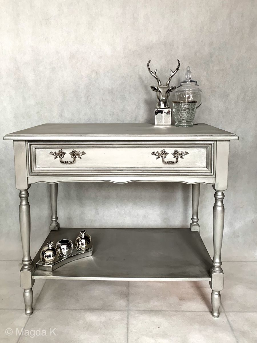 @anniesloanhome Painted this one with Paris Grey, sealed with clear wax. Then mixed Bright Silver gilding wax mixed with clear wax to add more shine to the piece.