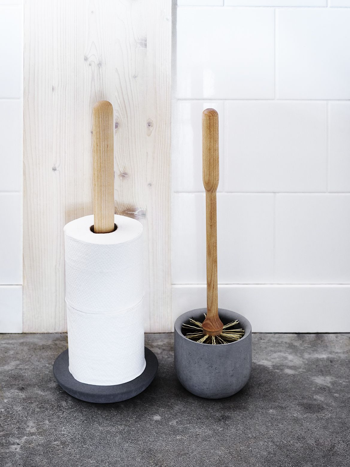 toilet brush holder brosse de toilette et porte papier wc made in sweden to shop a voir. Black Bedroom Furniture Sets. Home Design Ideas