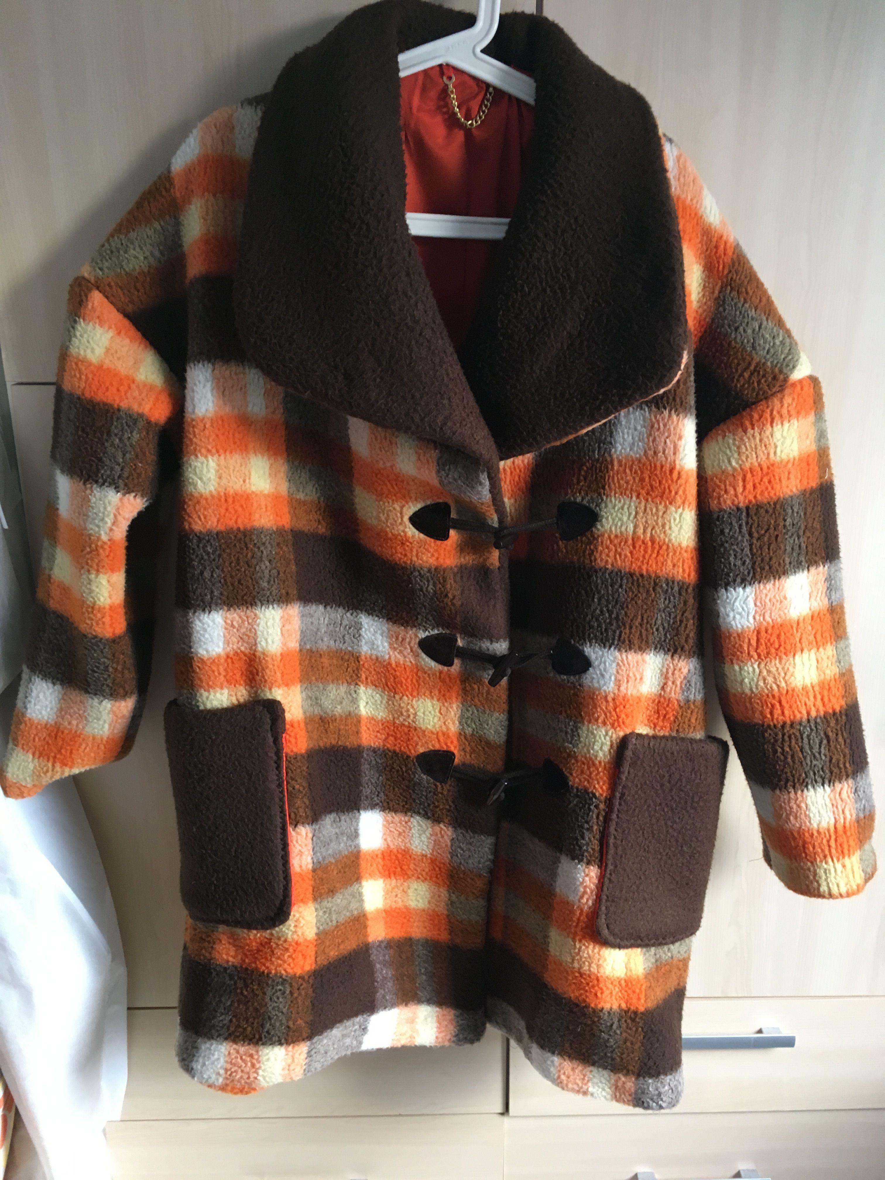 Acryldeken jas gevoerd. Een deken uit de jaren 1970