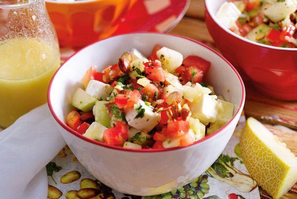Unser beliebtes Rezept für Melonen-Paprika-Salat mit Rauchmandeln und mehr als 55.000 weitere kostenlose Rezepte auf LECKER.de.