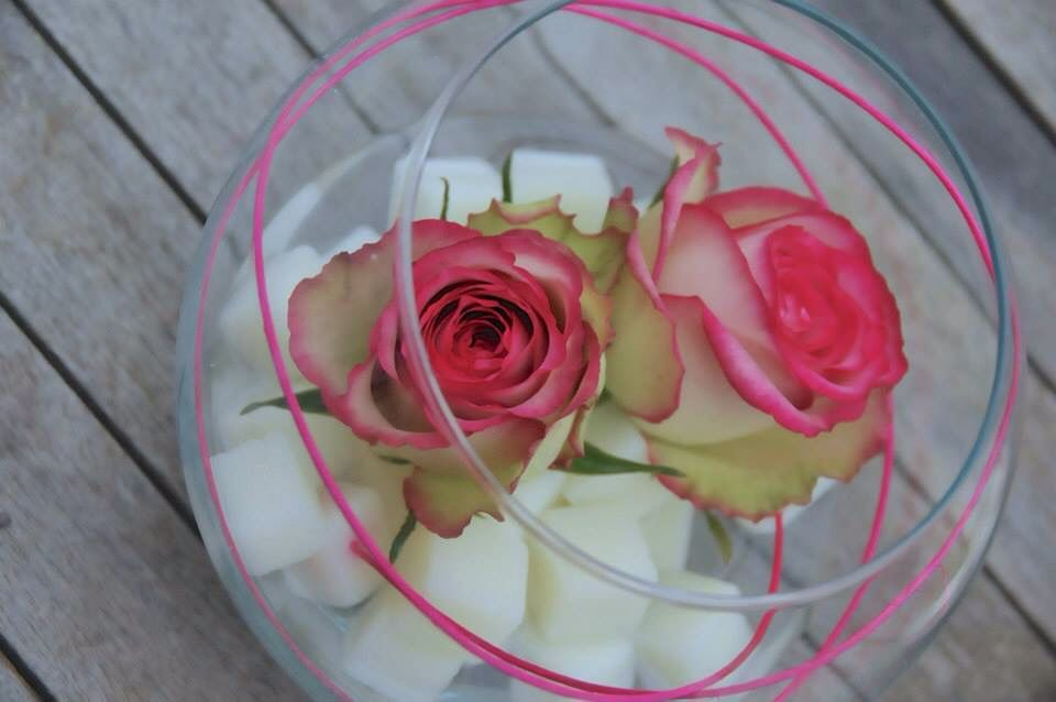 fleurs mariage centre de table original vase rond avec. Black Bedroom Furniture Sets. Home Design Ideas
