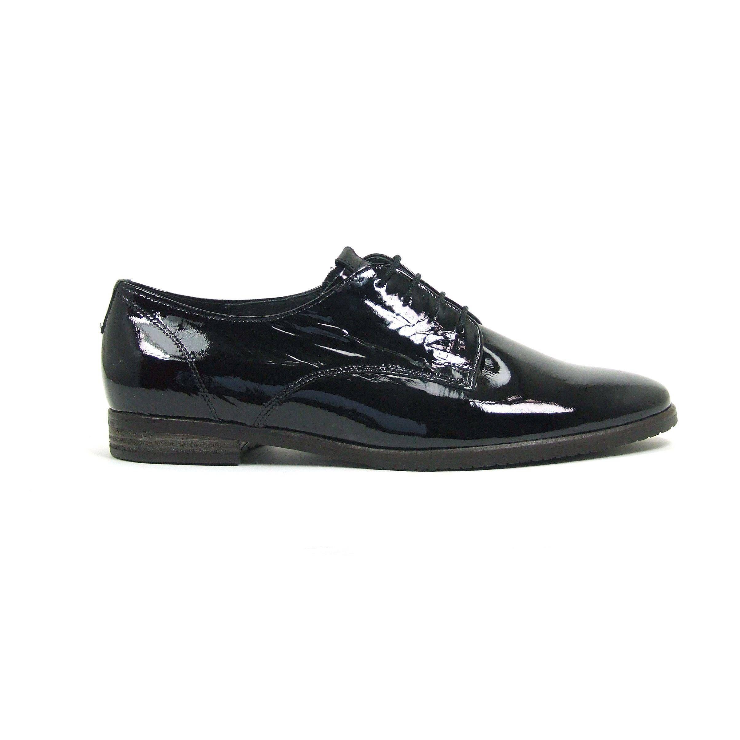 Platte veterschoenen van gabor model deze dames schoenen zijn helemaal van leer en - Meubilair zwarte keuken lak ...