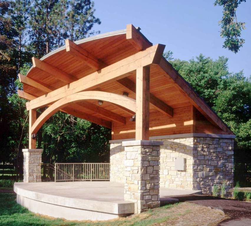 Rafter support beams this timber frame uses traditional