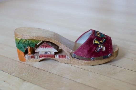 1940 S Asian Japanese Wooden Sandals Hand Carved By Sopasse Wooden Sandals Vintage Shoes Stuff To Buy