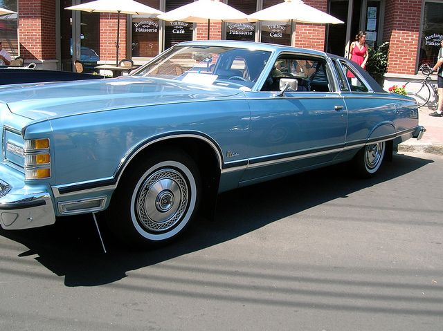 1976 Ford Ltd Landau In Bright Blue Metallic Ours Was Dark Brown With White Vinyl Top Ford Ltd Dream Cars Ford Lincoln Mercury