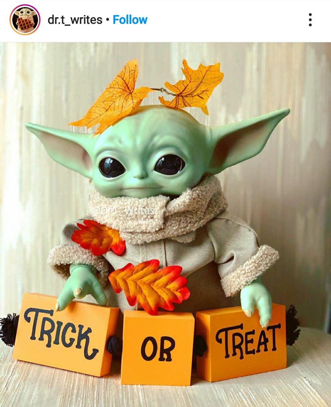 Pin By Cameroniwhite On Grogu Yoda Halloween Star Wars Baby Cute Disney Wallpaper