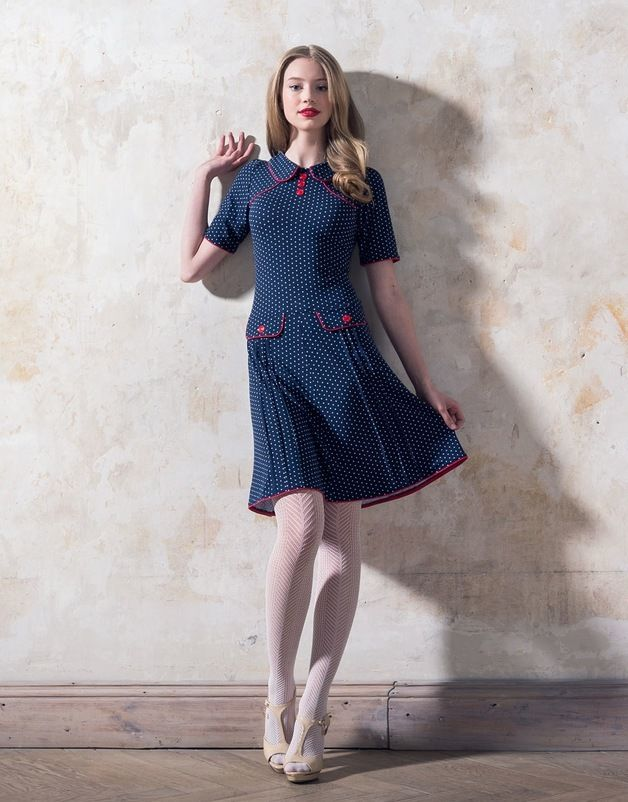 Knielange Kleider Marineblaues 60er Jahre Jerseykleid Mit Punkten