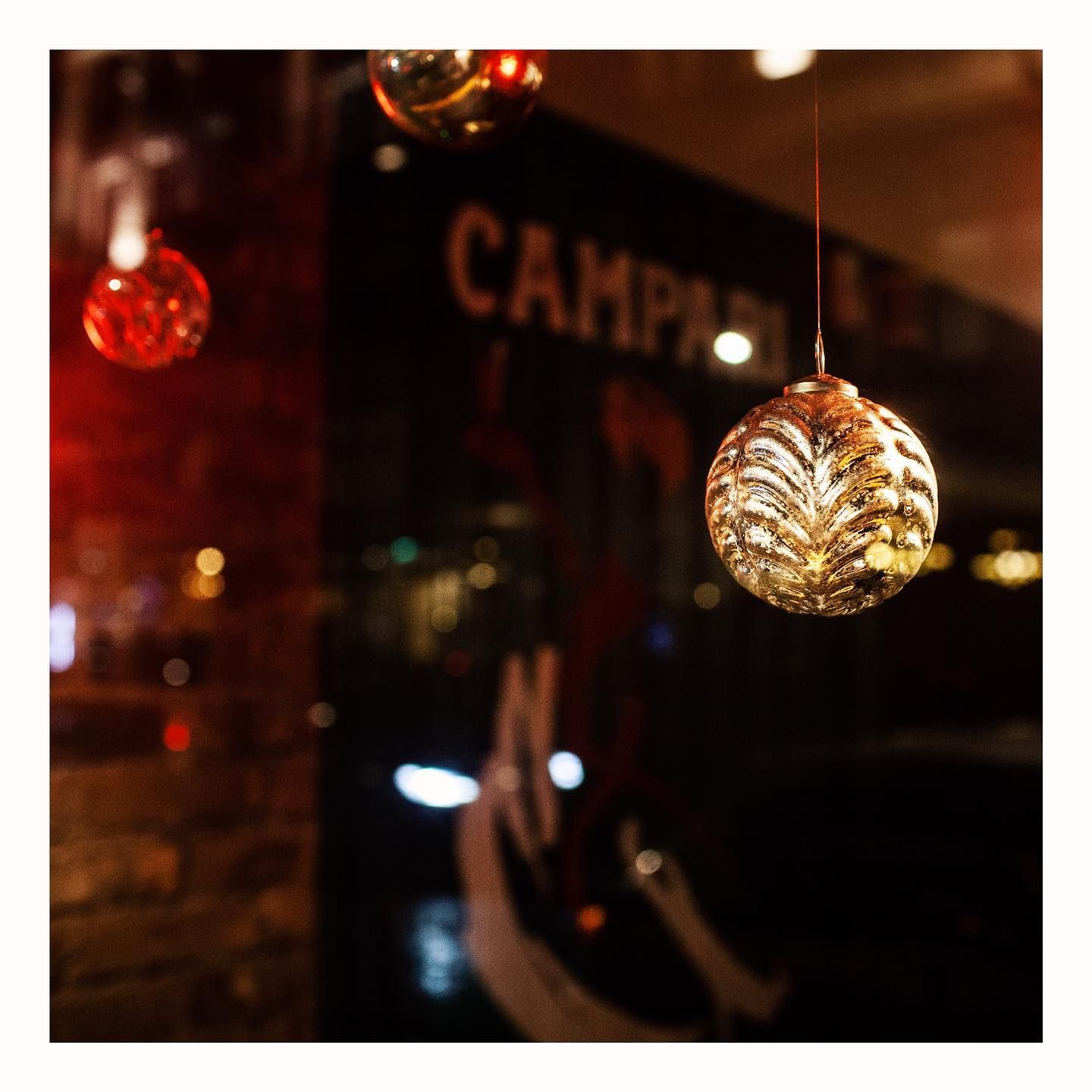 We're feeling festive. 🥳 And excited about 11th Dec & our collab with @campari.scotland  #N100 #negronisforlife #shinyballs 📷: @inglisphoto . . . . . . #heypalu 👋🐦🍸 #modernitalianbar  #edinburghbloggers #edinburghlife #edinburghstory #edinburghhighlights #thediscoverer #cocktailsbars #cocktailblog #cocktailbloggers #cocktailhour  #aperitivo #hiddenedinburgh