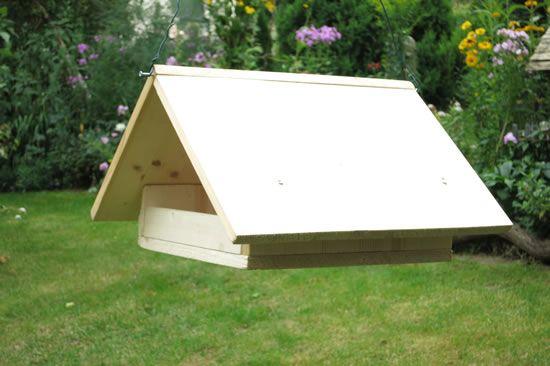h ngendes futterhaus 15 futterhaus pinterest futterh uschen vogelfutterhaus selber bauen. Black Bedroom Furniture Sets. Home Design Ideas