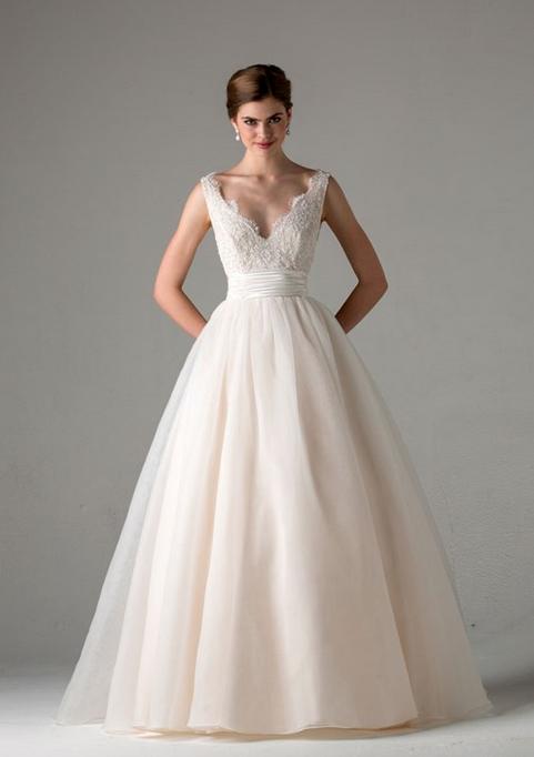 The 25 Best Wedding Dresses For Autumn Ideas On Pinterest