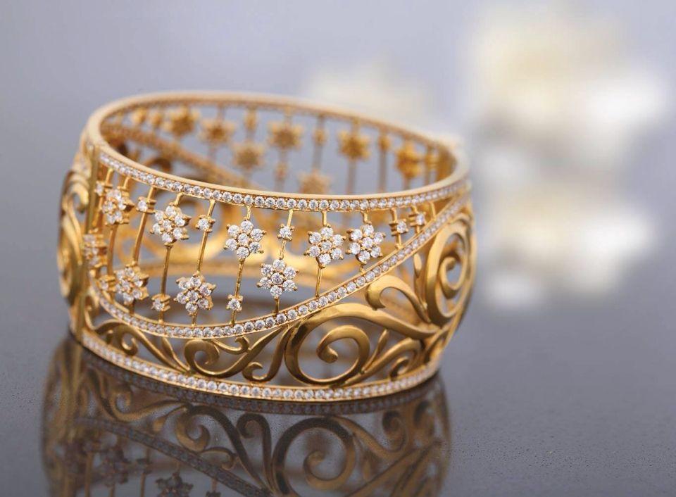 Latest Bangle design | Goldieeeeeee | Pinterest | Bangle, Jewel ...